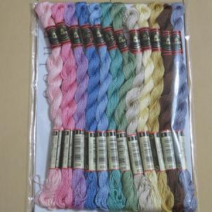 今月の 144色の刺しゅう糸 【5回目】