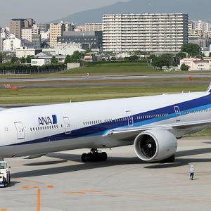 まさに 「777(トリプルセブン)」 の ANA機が退役