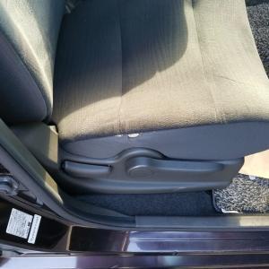 キューブのモケットシート破れリペア