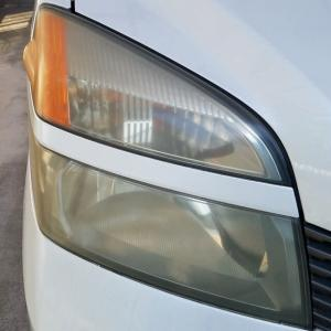 1BOXカーのヘッドライトポリッシュ