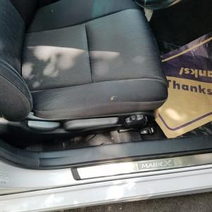 トヨタマークXのモケットシート焦げ穴リペア