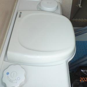 カセットトイレ洗浄水タンクの清掃