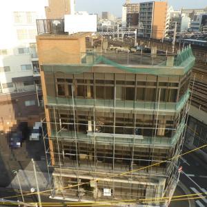 隣のビル解体工事の模様を記録