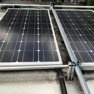6年前に付けたソーラーパネルが何故か発電せず交換に
