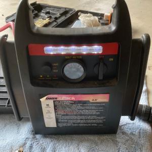 自動車ジャンップスターターのバッテリーがあがってしまったが