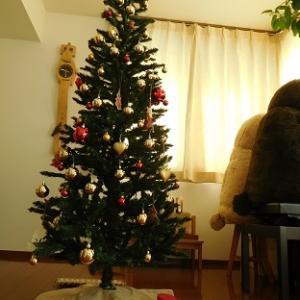 クリスマスツリーの飾りつけ~♪(´▽`)