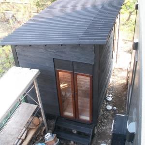 小屋を作ろう。外壁塗装
