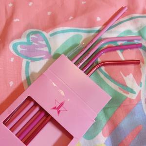 かわいいピンクのストロー♡