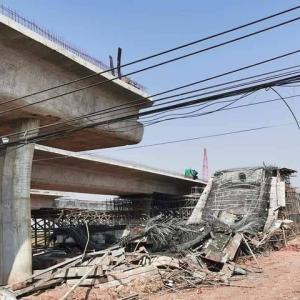 建設中の陸橋崩落、作業員9人けが タイ東北ナコンラチャシマ