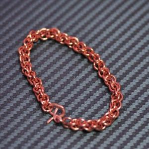 銅線でブレスレット。
