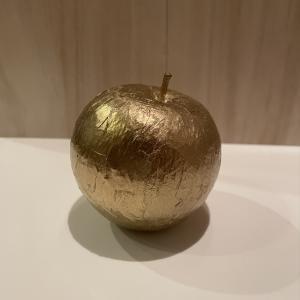 ペーパーナプキンでリンゴ。‥‥金色に!