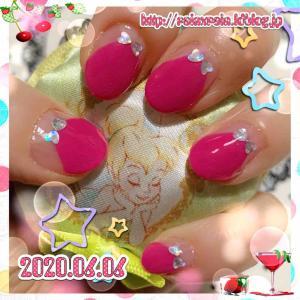 ≪セルフジェルネイル≫濃いめピンクの変形フレンチ☆