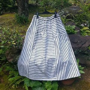 太縞木綿のスカート