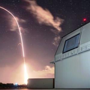 【イージスアショアは、中共のミサイル飽和攻撃に対処は困難。】ミサイルをミサイルで撃ち落とす時代は既に終わっている