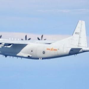 中国軍機19機、台湾海峡周辺で威圧的飛行繰り返す。異例の多さ。