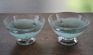 爽やかな彩りでたっぷり目のデザートカップ