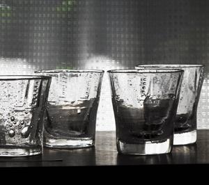 秋日射グラスを巡りキラメカセ
