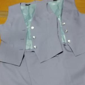 ラベンダーの作業着からがま口バッグ2個製作中➰