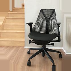 長時間座りっぱなしのリモートワークにぴったりの椅子は!?ハーマンミラーのアーロンチェアとその後購入したセイルチェアの試用感。