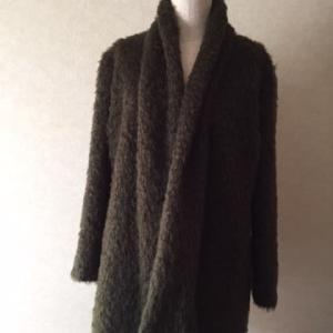 モアモアの布で上着を作ると
