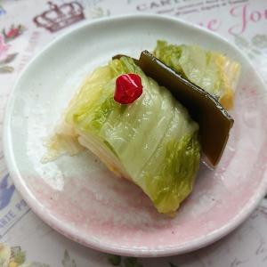 ( ̄‥ ̄) 白菜の漬物が良い塩梅で酸っぱくなってきました。