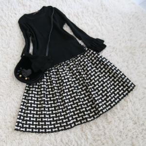 おリボン柄のスカート