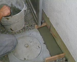 築40年住宅壁の補修費〆ていくら?家も身体も土台が大事&台所の下スッキリ