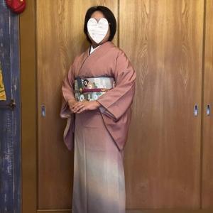 令和元年10月26日出張着付け2件目は富田林市、色無地の着付け依頼でした。