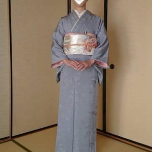 令和元年10月27日出張着付け3件目は堺市中区、色無地の変わり結びのご依頼でした。