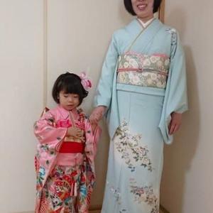 令和元年11月7日出張着付は堺市北区、七五三の三歳のお嬢様の着付&ヘアセットとおはさまの訪問着着付のご依頼でした。
