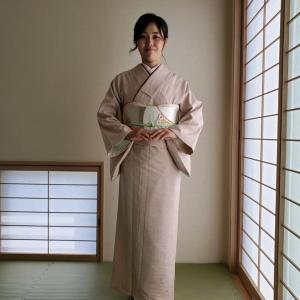 令和2年6月21日 出張着付3件目は大阪狭山市、色無地の着付け&ヘアセットのご依頼でした。