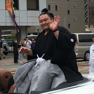 朝乃山関のパレード、紋付袴姿が素敵でした(*^^*)/