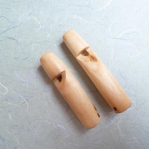 試作の桜枝材の笛