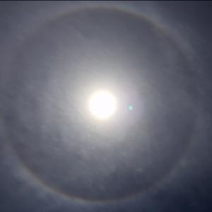 彩雲とハロ現象