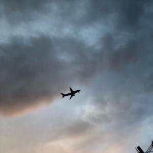 上空もスキスキ?飛行機の通り道