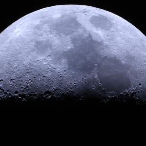 月面X ちょっと寒い中撮影