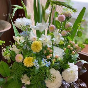 お供え花のアレンジメント