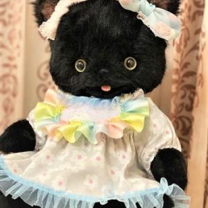 抱っこ☆黒猫ちゃん💖…カワユイネ~~♬