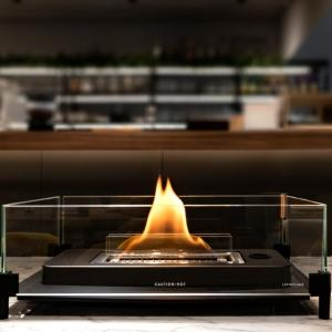暖炉と炎のある家とか。