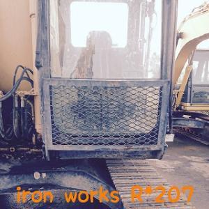 建設機械のキャブガード修理