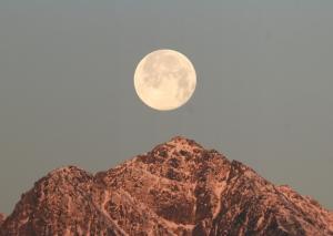 銀河鉄道展望公園より Snow Moon
