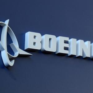 【航空】ボーイング、機内消毒のためにUV照射器を開発中 1年以内の提供を目指す