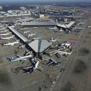 【東京新聞】「待機場所も人員も足りない」 政府の出入国緩和方針に空港検疫所の現場から危機感