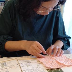 作品の編み目模様にうっとり…