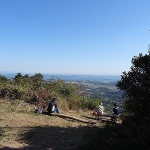 神石山を歩いてきました。
