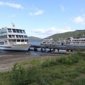 十和田湖、宇樽部桟橋の廃船
