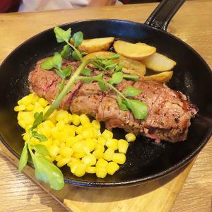 神戸、三宮「神田の肉バル ランプキャップ」-サーロインステーキ180g