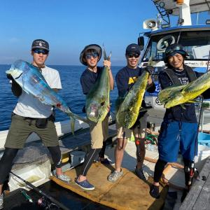 7月31日の釣果です。カツオ、マグロ沖合い遠征に行って来ました〜!
