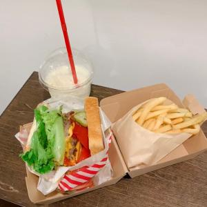 代々木西口駅前【bakery & burger  JB's】のハンバーガー