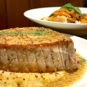 お腹がはち切れそうになるエアーズロックみたいお肉!